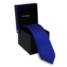 Keskeny, kobaltkék nyakkendő dobozban